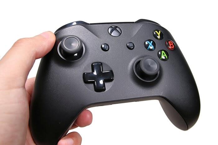Bluetooth対応、XBOX one コントローラーの使い勝手