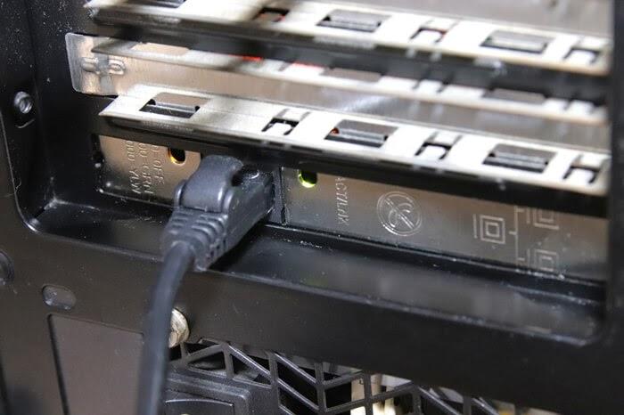 Intel EXPI9301CTを取り付ける