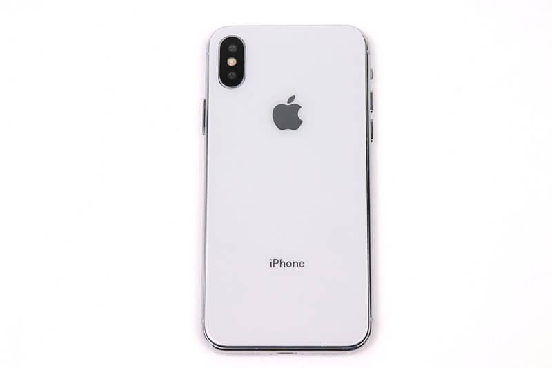 iPhone X、ロゴ付きのモックアップに