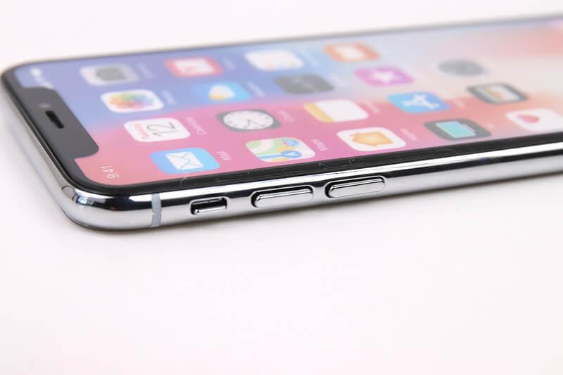 iPhone X、モックアップの音量ボタン