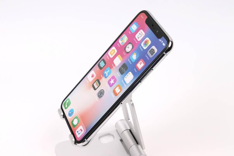 iPhone Xのモックアップ、斜めから