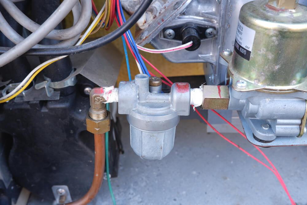 コロナ 石油給湯器 灯油管内のエアーを抜き
