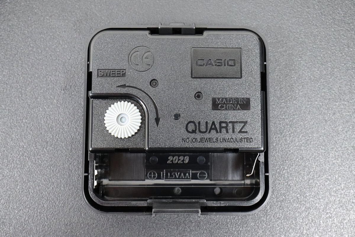 カシオの掛け時計 IQ-88のムーブメント