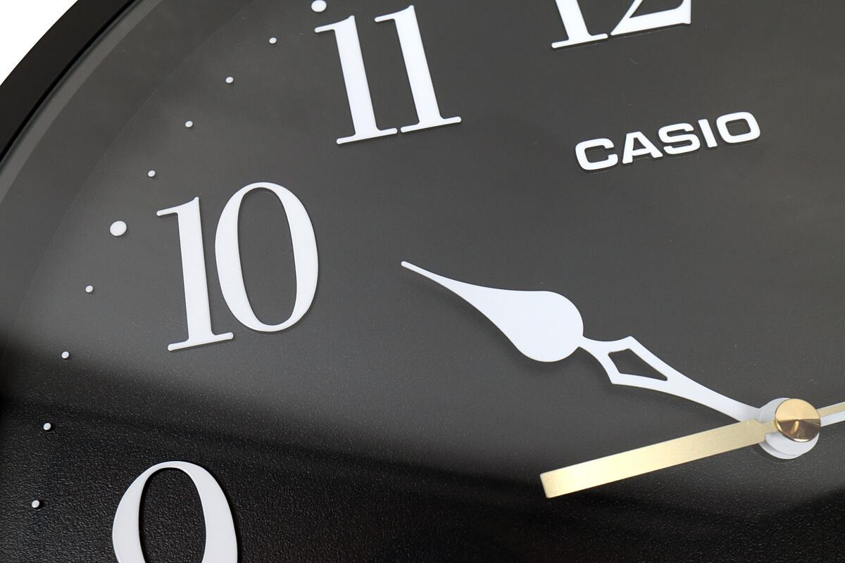 カシオの掛け時計 IQ-88