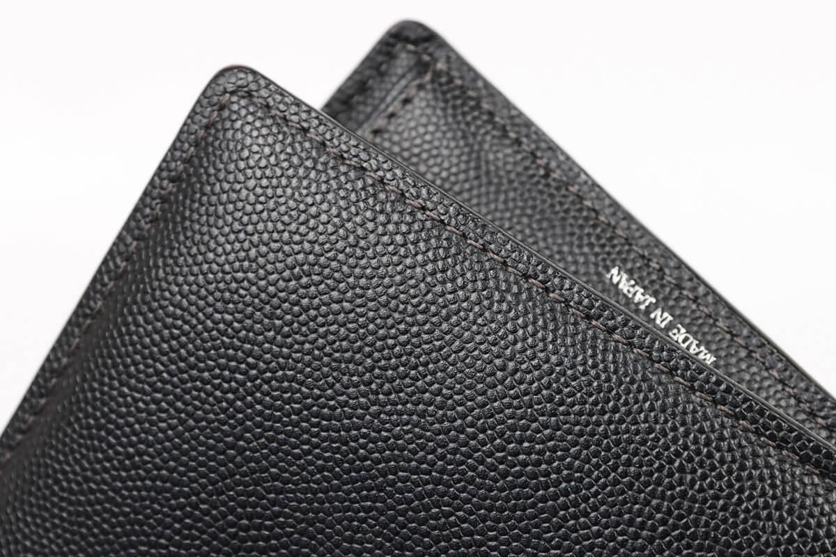 キプリス ペルラネラ 二つ折り財布の縫い目
